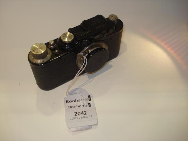 Leica II,