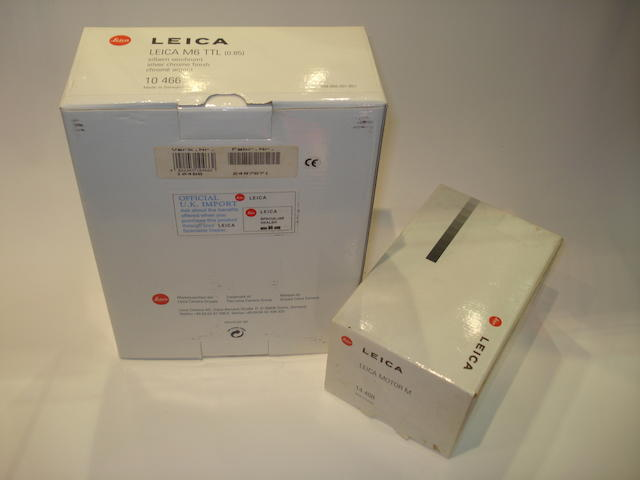 Leica M6 0.85 model,