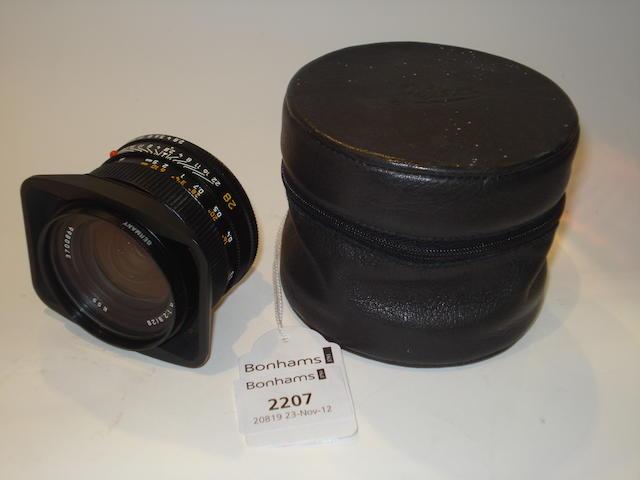 Leica 28mm f2.8 Elmarit R lens,