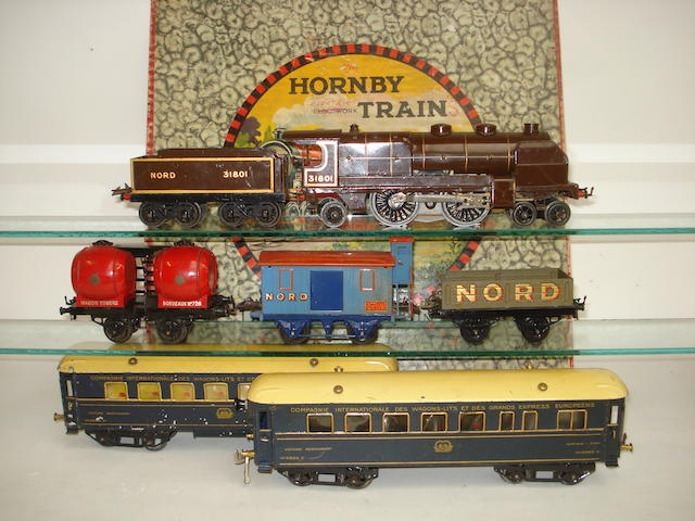 Hornby Series c/w No.3 Nord engine and tender and rolling stock 7