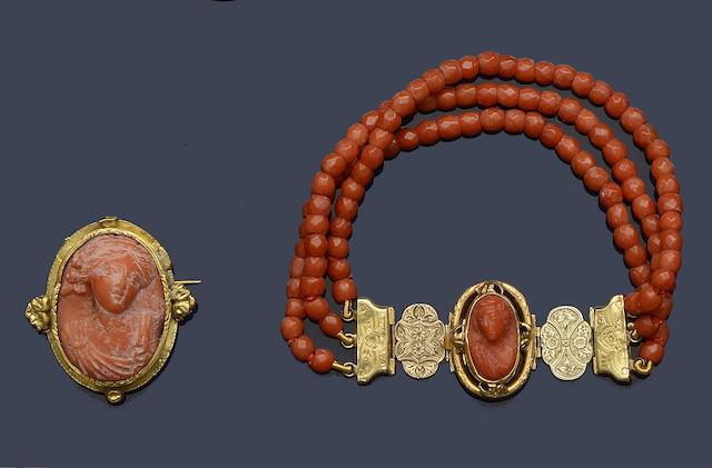 A coral bracelet and a coral brooch (2)