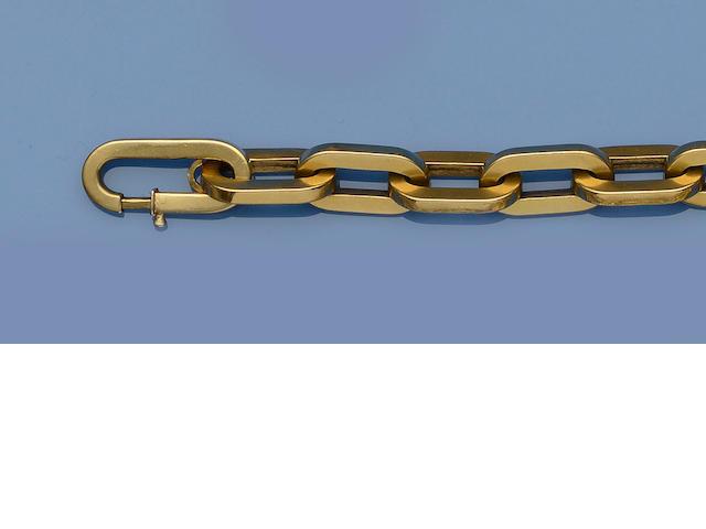 A yellow precious metal belcher-link bracelet