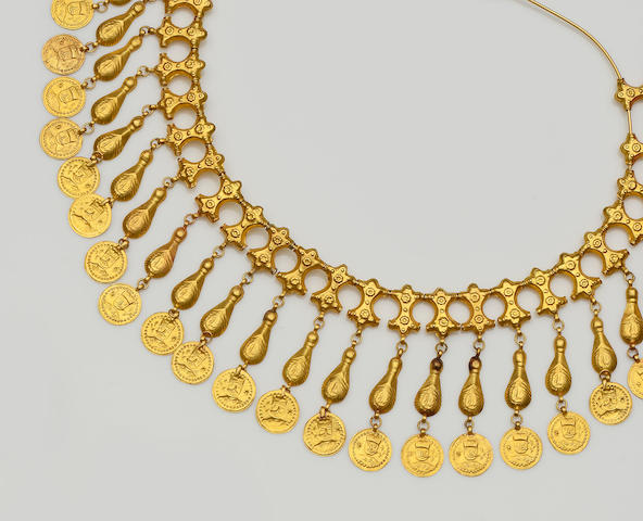 An Eastern yellow precious metal fringe necklace