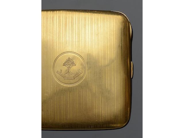 An 18ct gold cigarette case