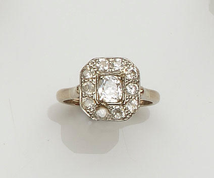 An Art Deco diamond panel ring