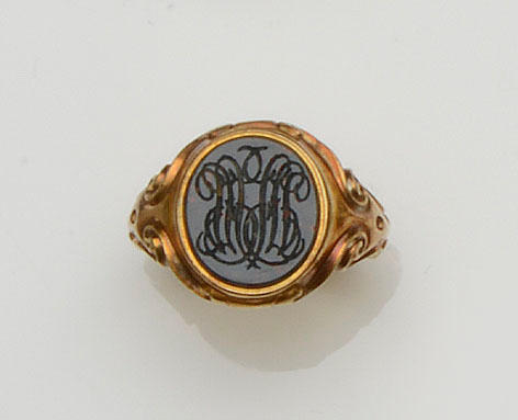 A bloodstone signet ring (3)