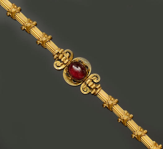 A Victorian garnet set bracelet (4)