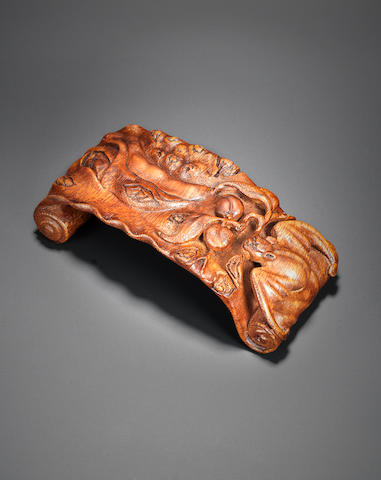 A bamboo 'bat and peach' ink rest Early Qing dynasty
