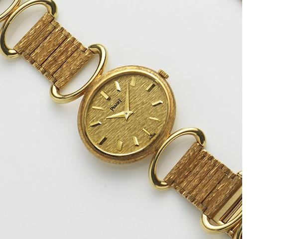 Piaget. A lady's 18ct gold manual wind bracelet watch Ref:9802 DG6, Case No.263577, Movement No.758473, Circa 1970