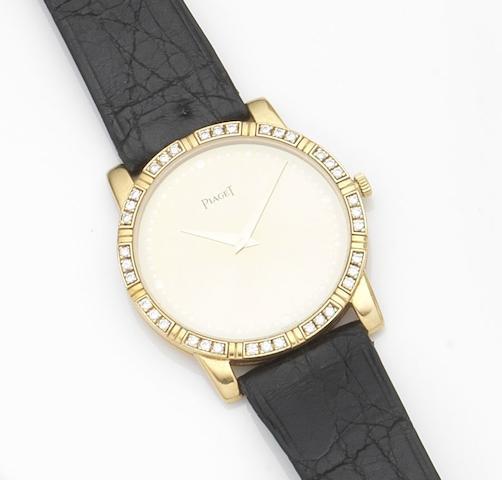 Piaget. An 18ct gold quartz wristwatchRef:84024, Case No.529512, Movement No.111469, Circa 1980