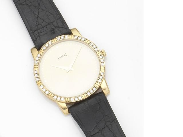 Piaget. An 18ct gold quartz wristwatch Ref:84024, Case No.529512, Movement No.111469, Circa 1980