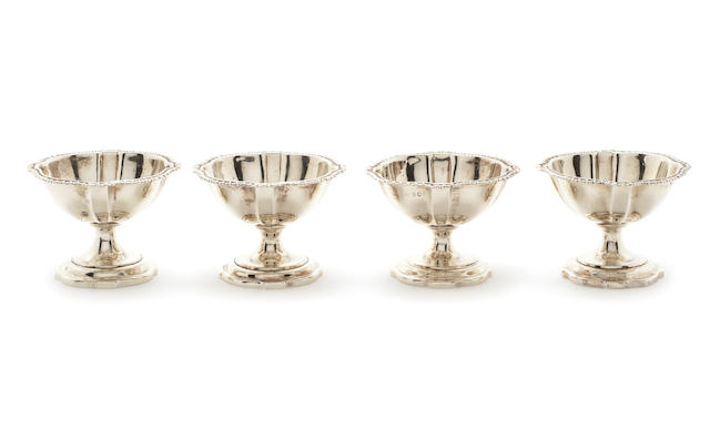 A set of four George III silver-gilt salts by Robert Hennell II, London 1817  (4)