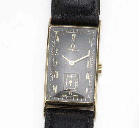 Omega. A 9ct gold manual wind wristwatchMovement No.8830639, Birmingham Hallmark for 1939