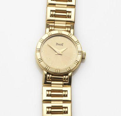 Piaget. An 18ct gold quartz bracelet watch with box and papers Ref:5963 A K 81, Case No.647704, Sold 10th October 2000