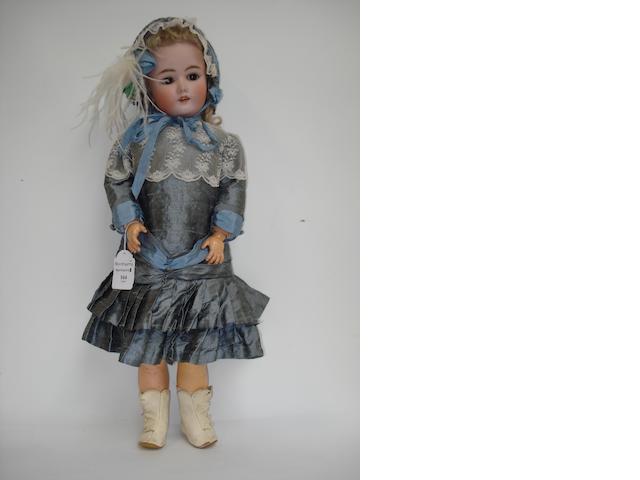 Heinrich Handwerck - Halbig bisque head girl doll