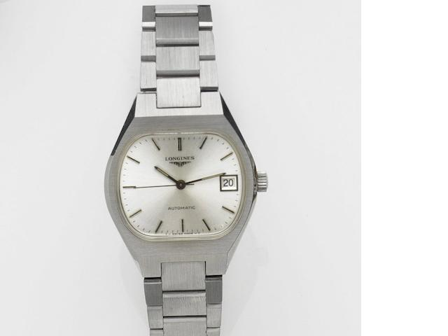 Longines. A stainless steel automatic calendar bracelet watch Automatic, Case No.17764521, Movement No.52808769, Circa 1980