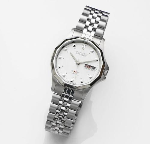 Citizen. A stainless steel automatic calendar bracelet watchAutomatic, Circa 1995