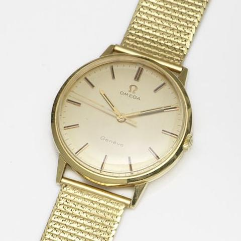 Omega. An 18ct gold manual wind centre seconds bracelet watchRef:131.041, Movement No.29912428, Circa 1970