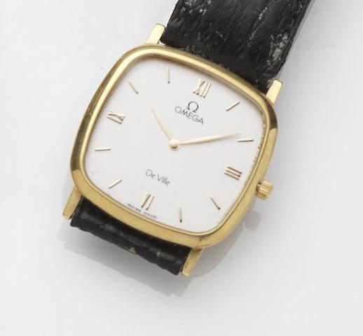 Omega. An 18ct gold guartz wristwatchDe Ville, Case No.54931707, Circa 1985