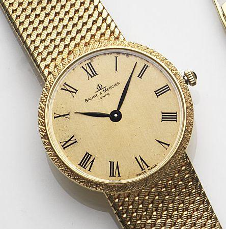 Baume & Mercier. An 18ct gold manual wind bracelet watchCase No.721014, Birmingham Hallmark for 1977