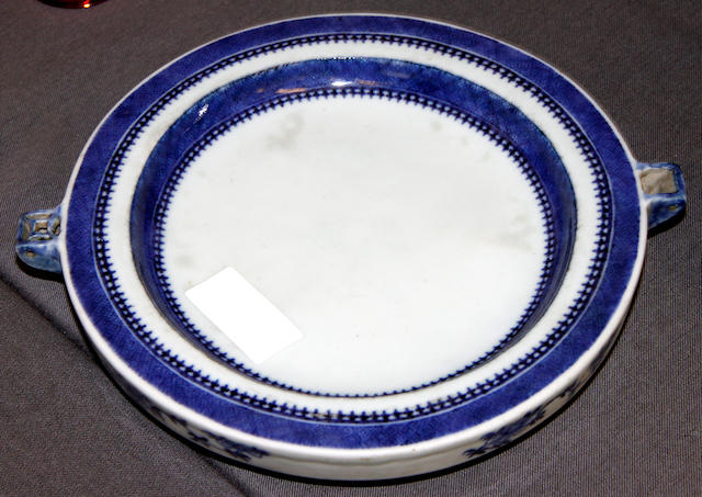 A Chinese blue and white porcelain warming plate,