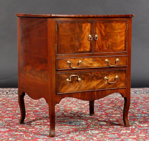 A Regency mahogany crossbanded night table