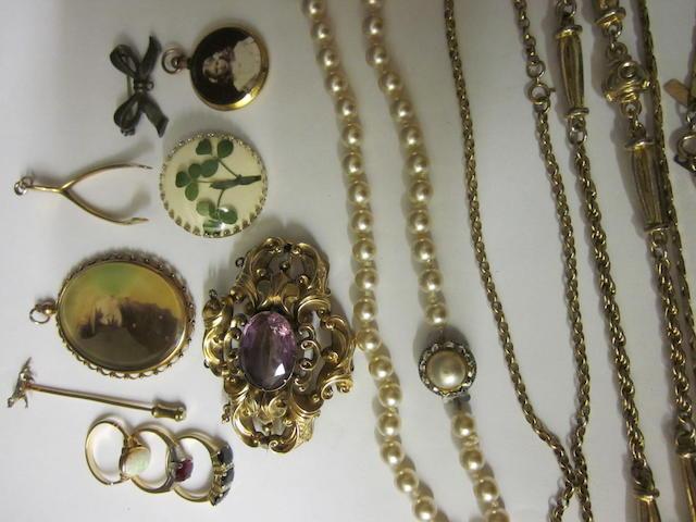 A Victorian amethyst brooch,