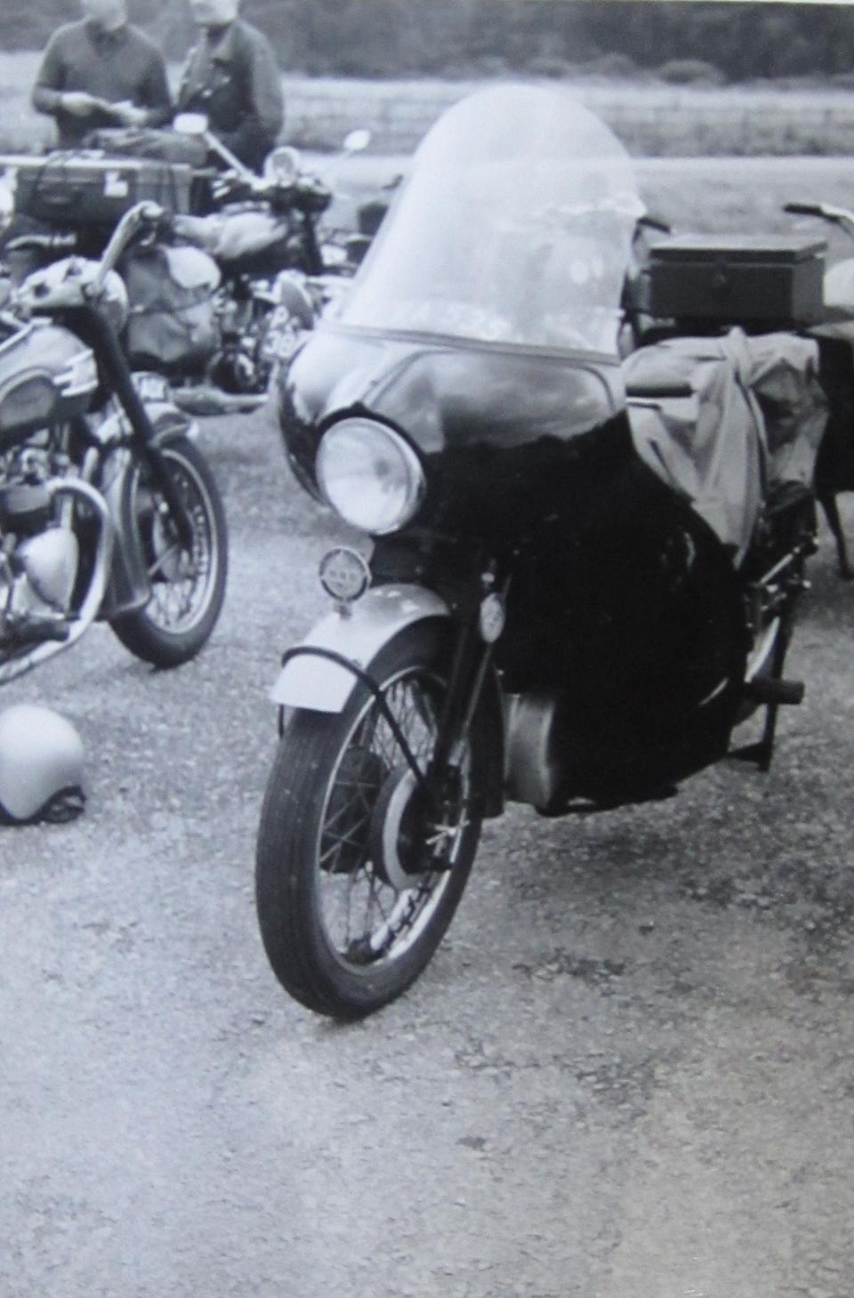Two recorded keepers from new and single ownership for 50 years,1950 Vincent-HRD 998cc Rapide Series C Frame no. RC7285 Engine no. F10AB/1/5385