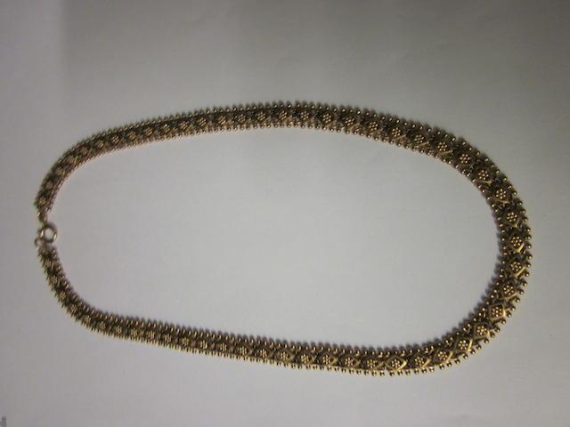 A 9 carat gold collar,