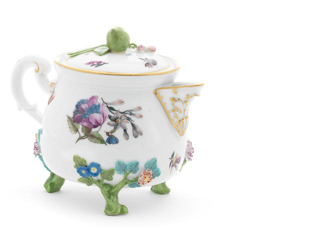 A Meissen cream pot and cover (restored chips)