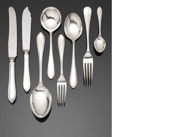 A silver Sandringham pattern table service of flatware by E Viner, Sheffield 1958 / 59  (107)