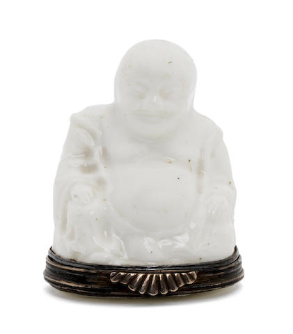 A St. Cloud Snuffbox in the shape of a seated pagoda