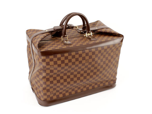A Louis Vuitton damier square-form expandable carry case