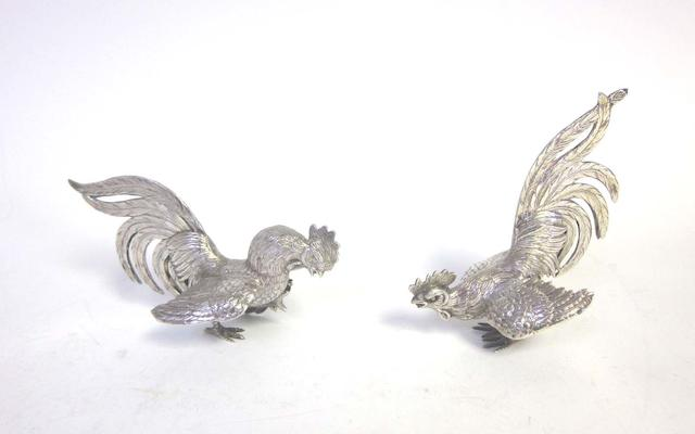 A pair of modern Continental silver table ornaments, with English import marks for London 1966  (5)