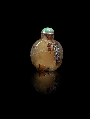 An agate 'Liu Hai' snuff bottle Qing dynasty