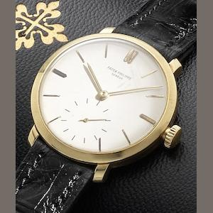 Patek Philippe. An 18ct gold manual wind wristwatch with Patek Philippe fitted box Case No.50909, Movement No.926226, Circa 1940