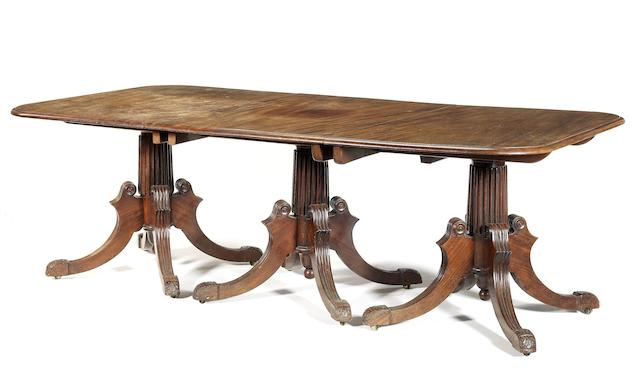 A William IV mahogany triple pedestal dining table