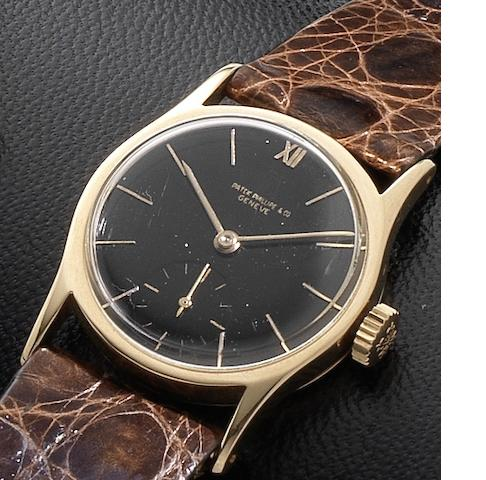 Patek Philippe. A fine mid-sized 18ct rose gold manual wind wristwatch together with fitted box Case No.624366, Movement No.920853, Circa 1946
