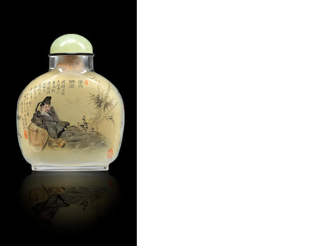 An inside-painted glass 'drunk Li Bai' snuff bottle Chen Renpu, dated 1987