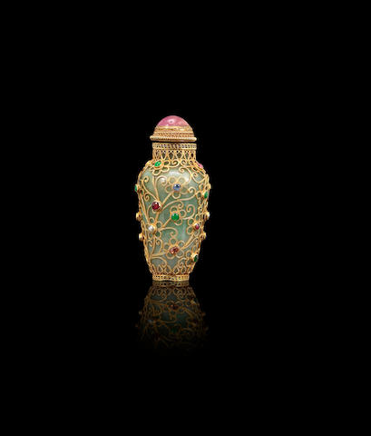 A jadeite and gilt-silver filigree mounted snuff bottle Qing dynasty