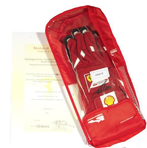 alonso gloves + bag + COA