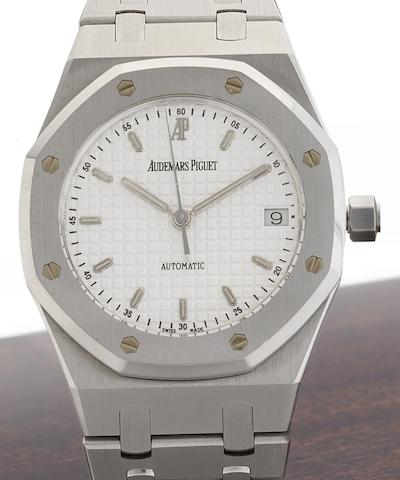 Audemars Piguet. A stainless steel automatic calendar bracelet watchRoyal Oak, Ref:147790ST, Case No.91397.8838, Sold 26th of June 2008