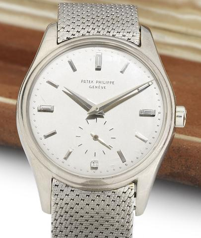 Patek Philippe. A very fine and rare 18ct white gold automatic bracelet watch together with original fitted Patek Philippe box and Extract from ArchivesRef:2526, Case No.694856, Movement No.760572, Made in 1954 Sold January 31st 1966