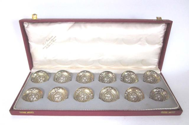 A quantity of late 19th/early 20th century Continental  silver items predominantly German, all pieces stamped '800'  (Qty)