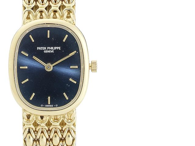 Patek Philippe. A lady's 18ct gold quartz bracelet watch Ellipse, Ref:4764/1, Movement No.1617180, Case No.2922423, Circa 1980