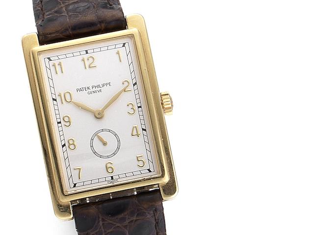 Patek Philippe. A fine manual wind rectangular wristwatch Ref:5009, Case No.2989071, Movement No.1852143, Circa 1992