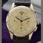 Universal. A fine and rare 18ct gold manual wind triple calendar chronograph wristwatch Circa 1950