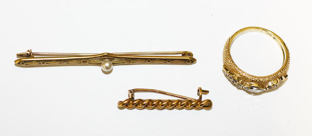 A diamond dress ring and two bar brooches, (3)