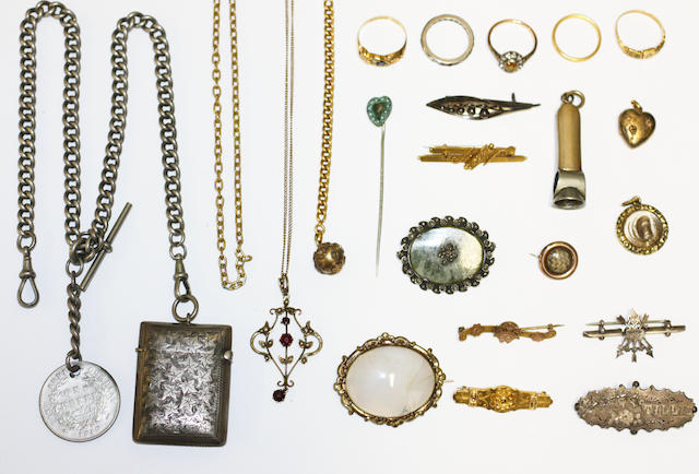 A collection of jewellery in a case,