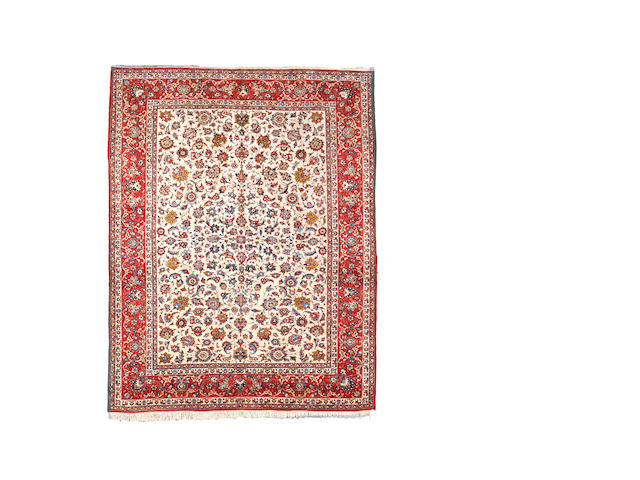 An Isfahan carpet, Central Persia, 417cm x 328cm